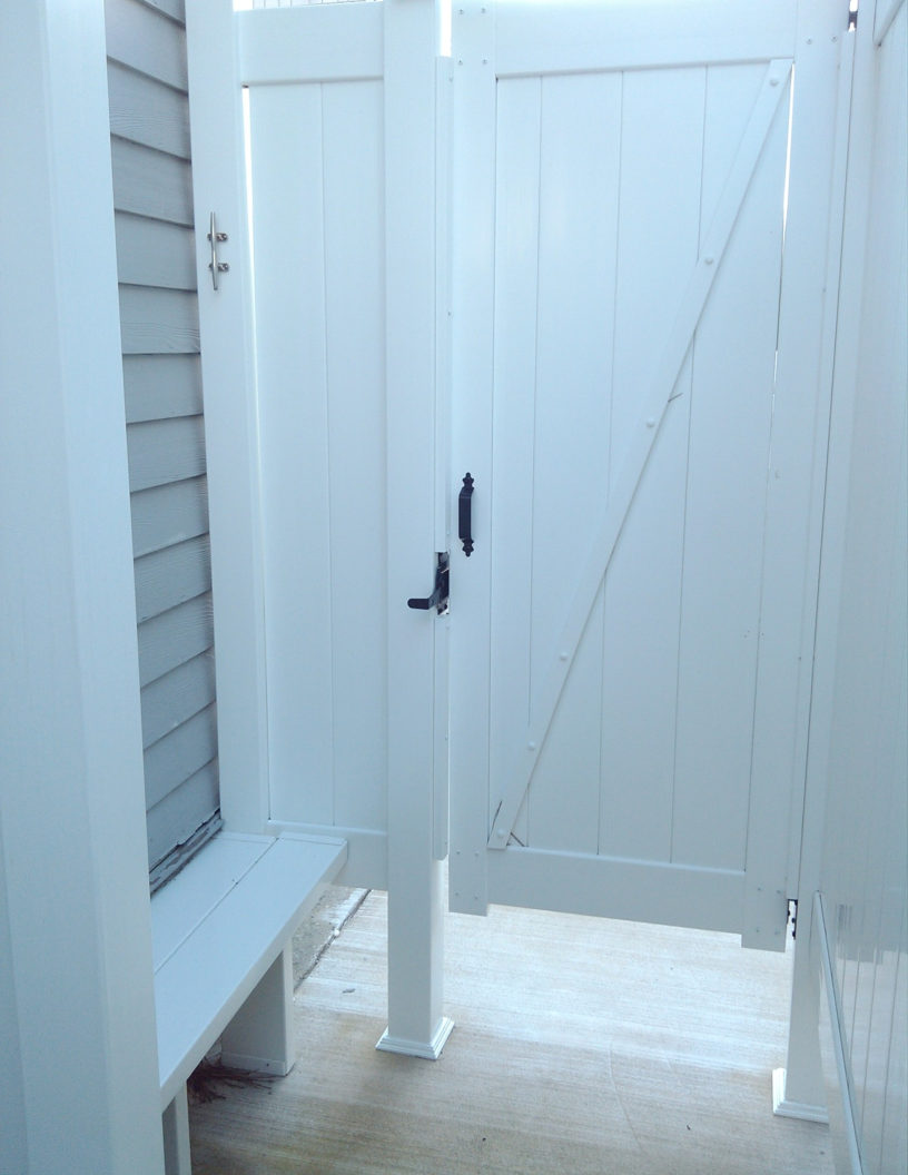 Photos of Outdoor Shower Enclosures for Outside Showers | Liquid ...